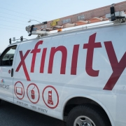 Senators ask Comcast to open all its WiFi hotspots to students