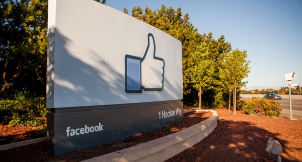 Daily Crunch: Facebook acquires a cloud gaming startup